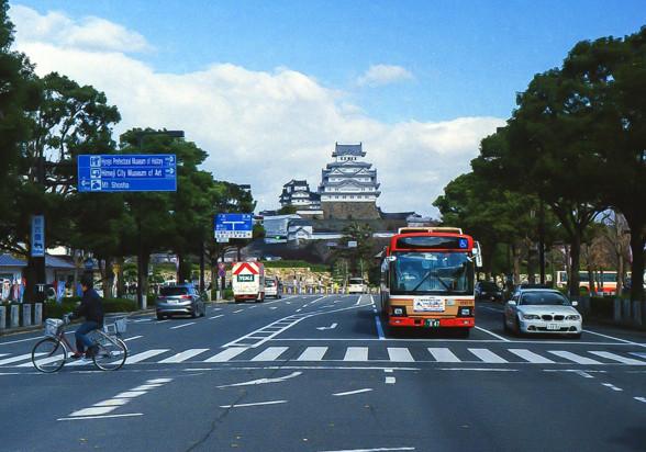 姫路城に近づく