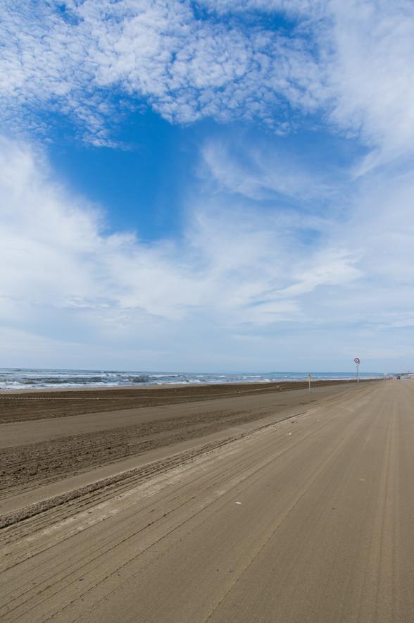 石川県の千里浜(ちりはま)