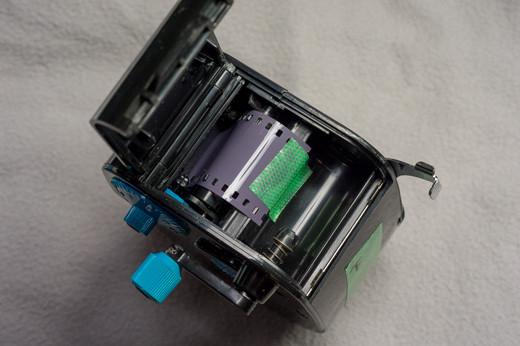 ライカ用の金属パトローネが使えないフィルムローダー