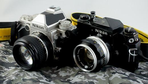 標準レンズをつけた Nikon Df と F