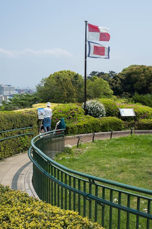 映画「コクリコ坂から」の場面のモデルになった旗