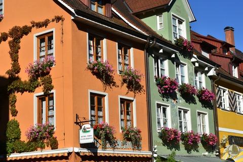 apartment-architecture-balcony-164179
