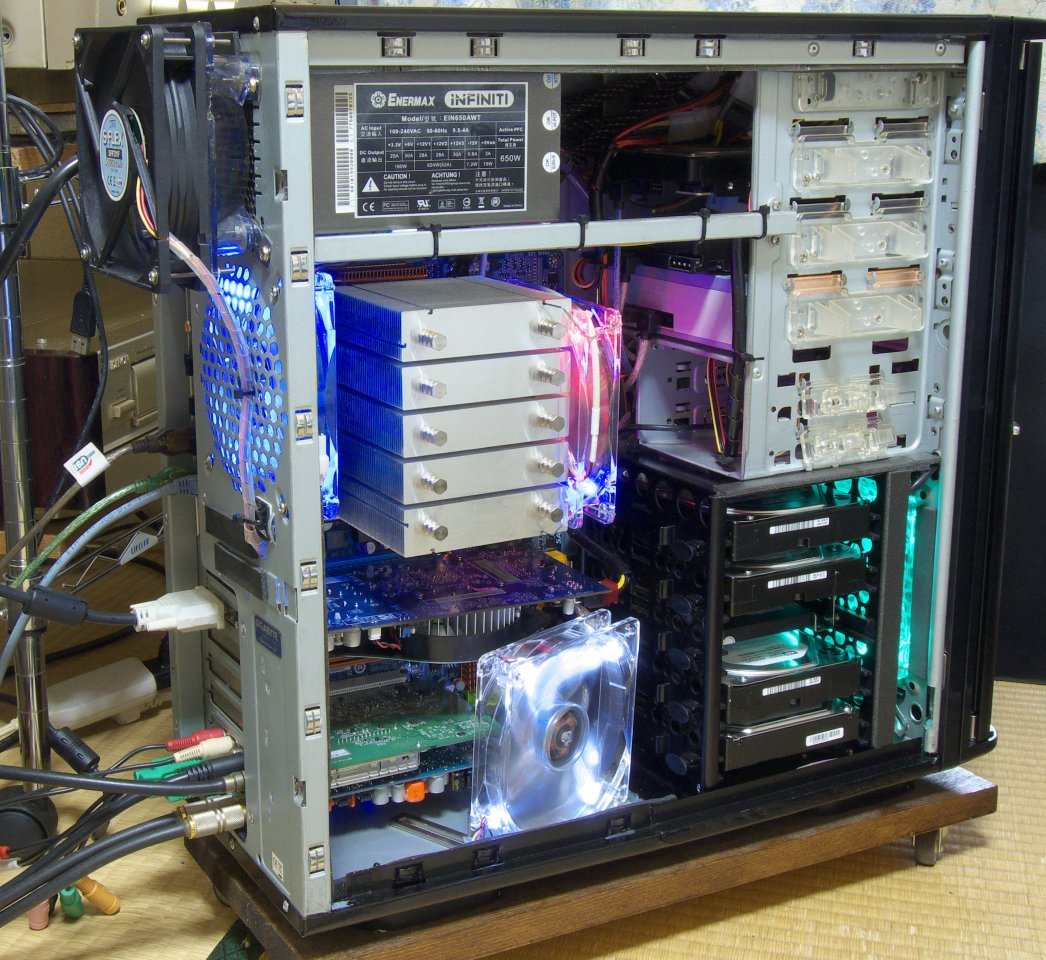 【悲報】自作PCを組むヤツらってファンとかケースをピカピカ光らせたがりが多い件