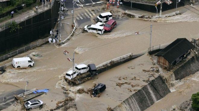 【西日本豪雨】韓国「多くの犯罪を重ねてきた結果だ。罪滅ぼしにはほど遠い」「来週には3000ミリの雨を」「日本列島は沈没すればいい」 韓国人の間で日本の被害を喜ぶ声