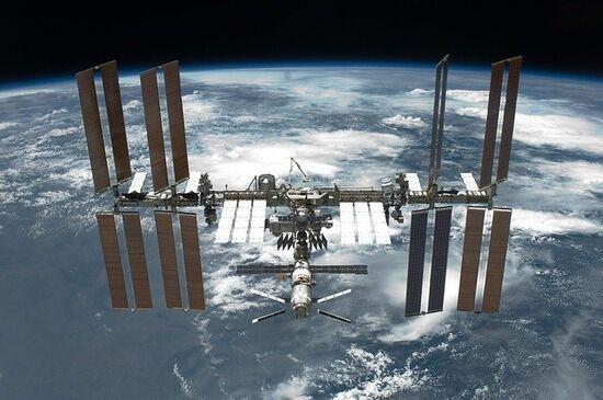 【宇宙】国際宇宙ステーションがデブリを回避するため軌道修正。デブリの正体は日本のロケットの破片