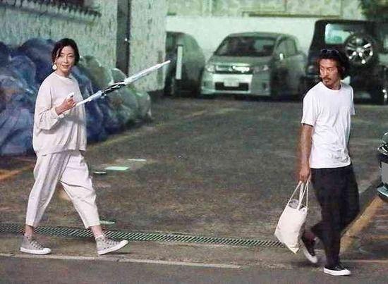 【画像】宮沢りえ&森田剛 1,000万円のオープンカーで、セレブな新婚ライフ