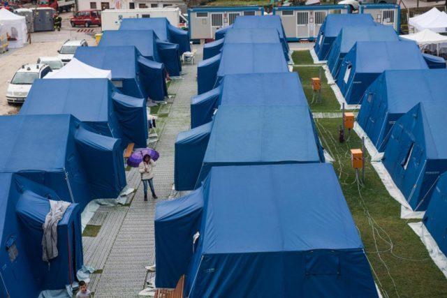世界「日本の避難所が劣悪すぎてワロタwwww」