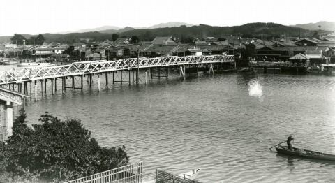 15代松江大橋(今岡ガクブチ店提供)