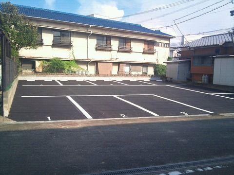 東の2駐車場