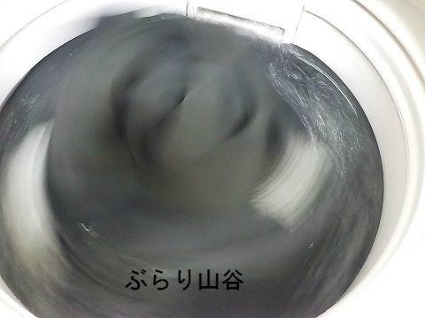 洗濯もの沢山入れても回るコインランドリーの洗濯機