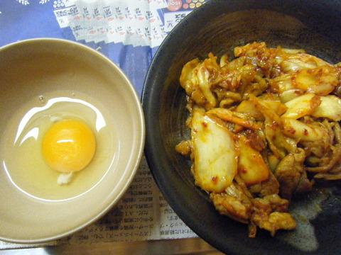 豚キムチと生卵