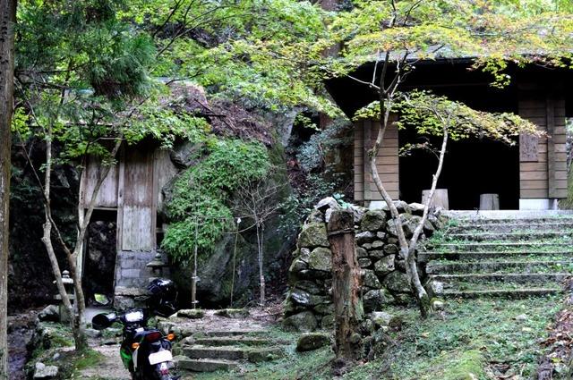 長寿寺奥の院