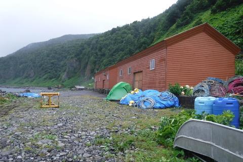 24.風に煽られるテント