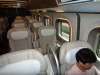 東北新幹線はやてグランクラス車内