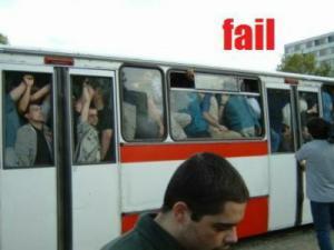 バス混み過ぎ