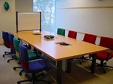プロジェクタ完備の会議室