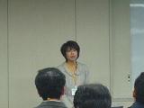 発表中の吉野さん
