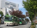 バスの同時刻発車