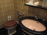 木枠のトイレ