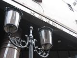 ホテル前の街灯