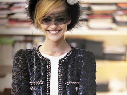 Chanel F/W Haute Couture 2011 - backstage
