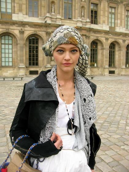 Louis Vuitton F/W 2009 - Street Style