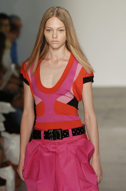 Phi S/S 2006 - runway and daily sep