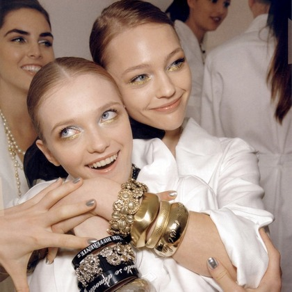 Chanel S/S 2007 - backstage / street
