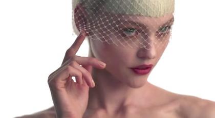 Vogue Japan 8月号撮影メイキング - youtube
