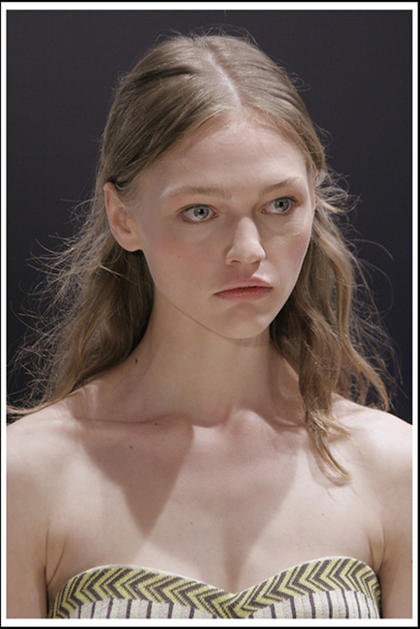 Emma Cook S/S 2006 in London - pic and video