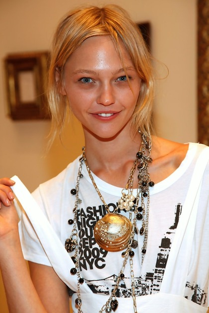 Sasha Pivovarova's Art Exhibition at Bendel