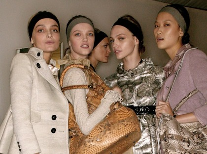 Burberry Prorsum S/S 2007 - backstage