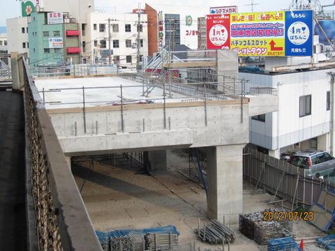 鴫野駅 新ホーム設置工事(2012年7月)