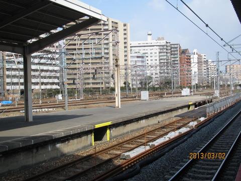 新大阪駅 旧17・18番のりば改装工事(2013年3月)