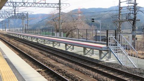 近江塩津駅 増設工事中の新しいホームが狭すぎる件 (2021年3月)