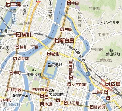 新白島駅 ホームの電光掲示板(発車標)&赤い駅名標 : 関西の ...
