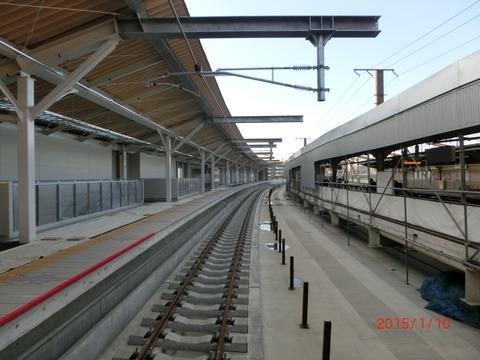 鴫野駅 新ホーム設置工事(2015年1月)