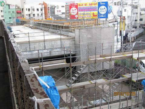 鴫野駅 新ホーム設置工事(2012年10月)