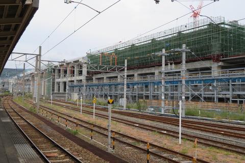 敦賀駅で北陸新幹線ホームの高架が出現! 建設工事進む (2020年10月)