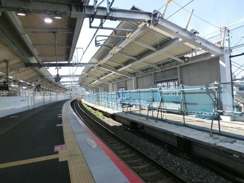 鴫野駅 1番のりば改装工事(2018年5月12日)