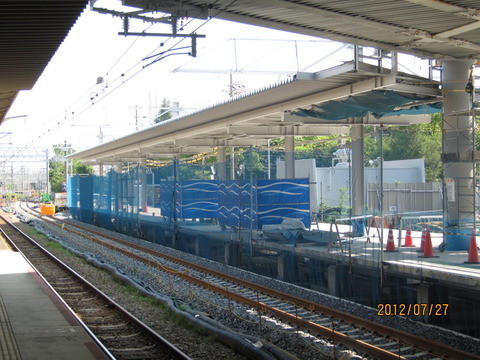 新大阪駅 新ホーム設置工事(2012年7月)
