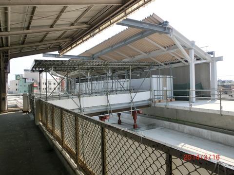 鴫野駅 新ホーム設置工事(2014年3月)