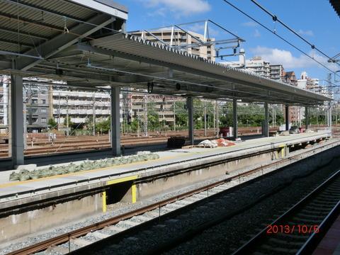 新大阪駅 旧17・18番のりば改装工事(2013年10月)