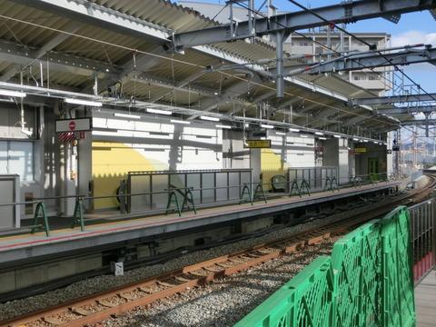 鴫野駅 1・2番のりば改装工事(2018年12月24日)