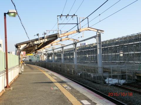 鴫野駅 2番のりば改装工事(2015年10月)