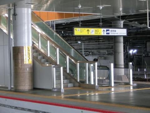 新大阪駅 旧11・12番のりば改装工事(2018年2月)