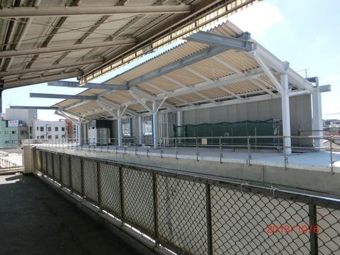 鴫野駅 新ホーム設置工事(2013年10月)