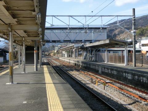 【駅紹介】 松田駅 ホーム・改札口・駅舎と駅前の様子(2017年12月)