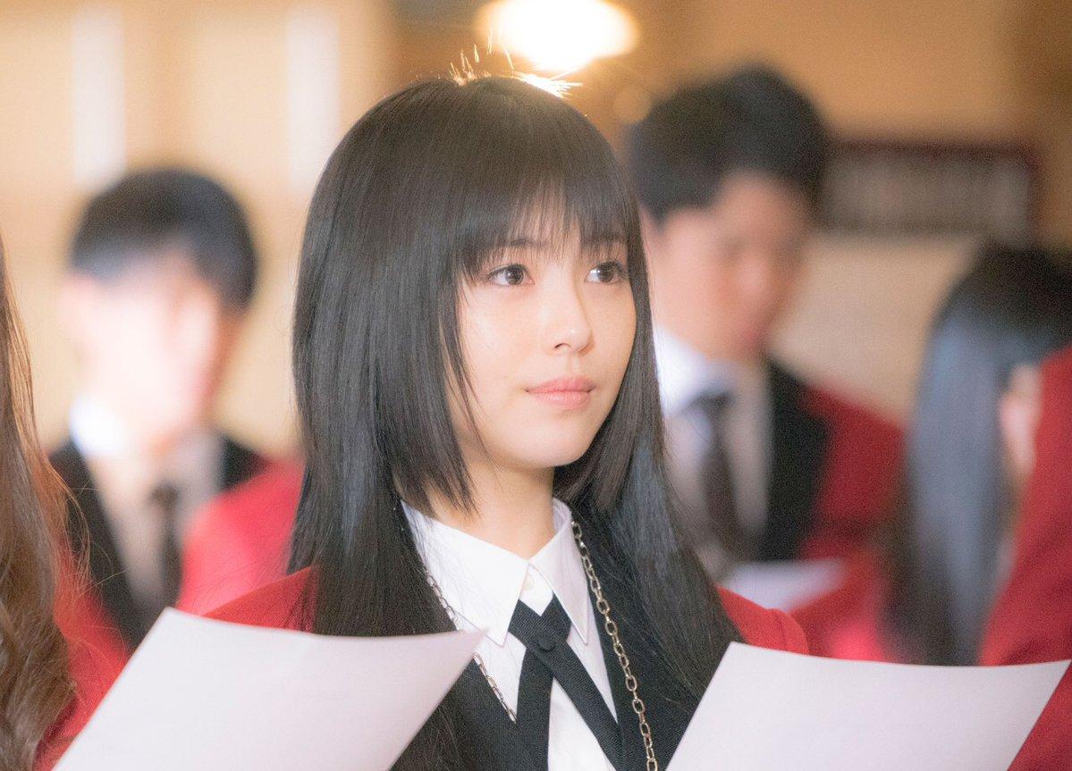 アドちゃんねる【女優】浜辺美波(17)、魅力は「圧倒的なヒロイン感」 引く手あまたの理由とは?コメントする