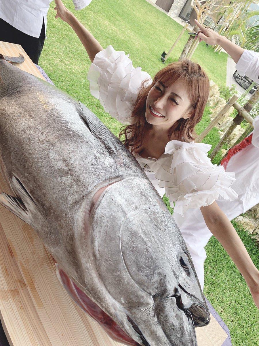 セレブAV女優、明日花キララさんのホームパーティーをご覧ください